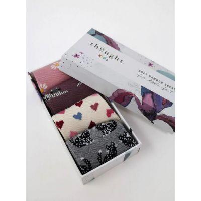Coffret cadeau de 4 chaussettes chat pour bébé en coton biologique et bambou coffret ouvert