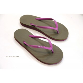 Tongs marron et violet