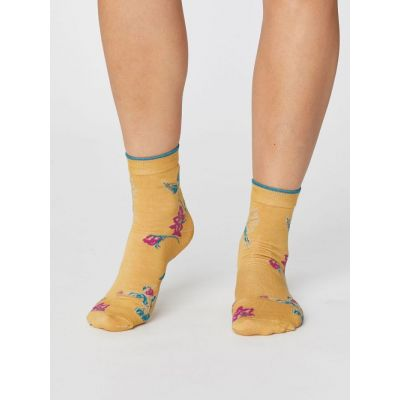 509a1684f79 Jolies chaussettes en modal couleur jaune mimosa pour femme